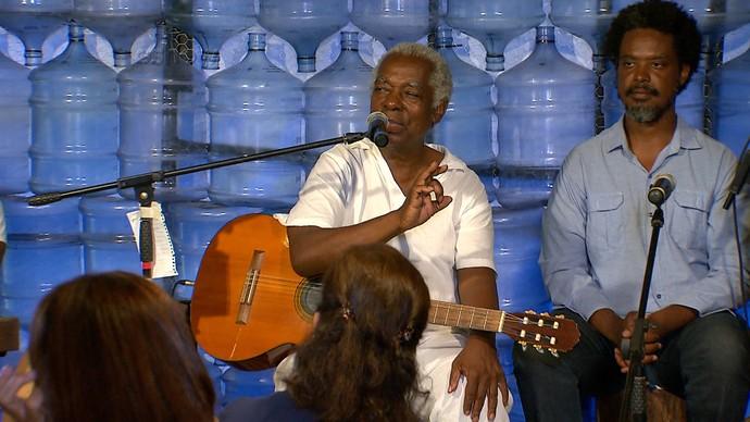 Vídeo exclusivo de Mateus Aleluia ao cantar e orar 'Cordeiro de Nanã' (Foto: TV Bahia)