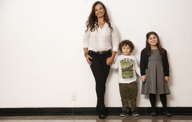 Solange Couto, o filho Benjamim e a sobrinha Maria Luiza (Foto: Marcos Serra Lima/EGO)