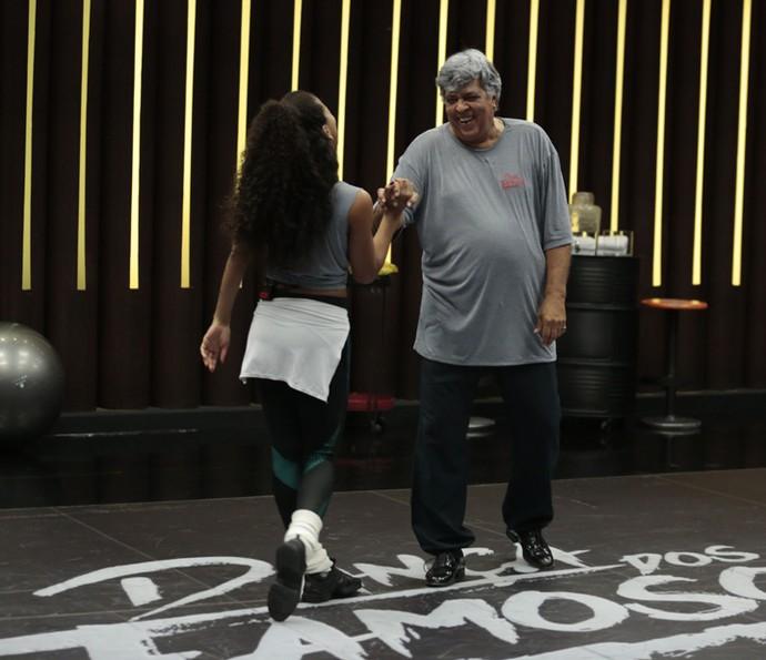 Sidney e Camila se divertiram ao executar cada passo (Foto: Felipe Monteiro/Gshow)