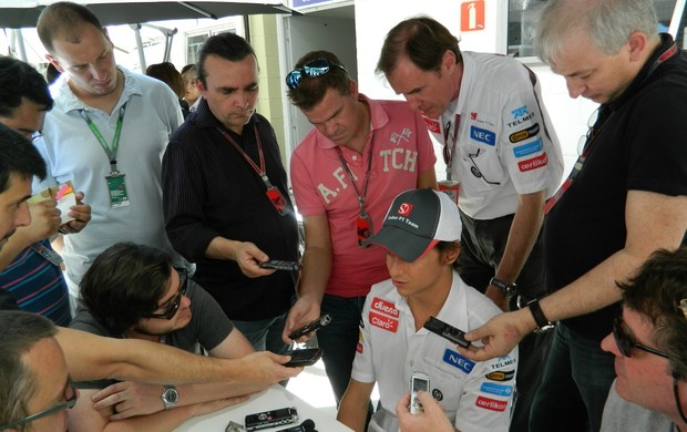 Esteban Gutiérrez no paddock de Interlagos (Foto: Getty Images)