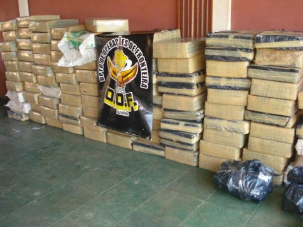 Segundo DOF, a droga estava separada em 109 fardos na carroceria de um caminhão (Foto: Divulgação/DOF)