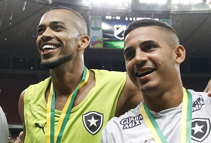 Willian Arão, Neilton, Luis Ricardo, Diego Botafogo (Foto: Vitor Silva / SSPress / Botafogo)