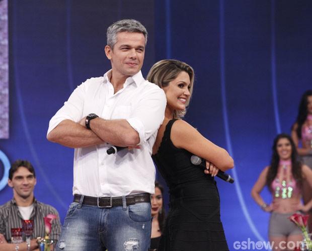 Casal revela como costuma dormir (Foto: Raphael Dias/ TV Globo)