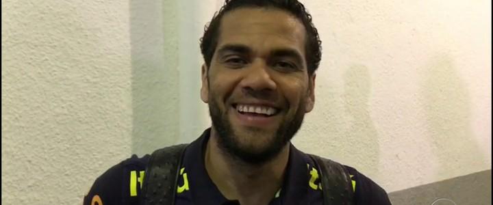 Falcão responde pra Dani Alves  se é o rei do futsal