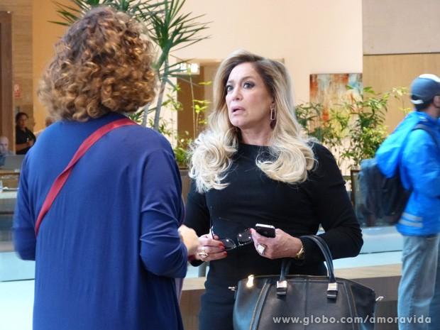 Susana Vieira grava com Elizabeth Savalla na tarde de quarta (Foto: Amor à vida/TV Globo)