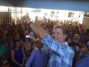 Prefeito Miguel Jeovani comemora volta ao cargo (Foto: Rafael Gonzaga/Arquivo pessoal)