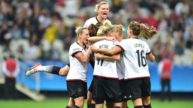 Zimbábue x Alemanha - Jogos Olímpicos - Futebol Feminino 2016-2016 ... 52b2cec629ae5