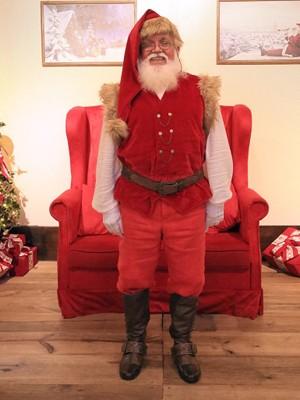 Papai Noel do Vale Sul tem figurino especial (Foto: Julio Sonnewend/ Vale Sul Shopping)