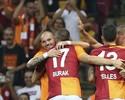 Sneijder marca em passe de Podolski, e Galatasaray vence Internazionale
