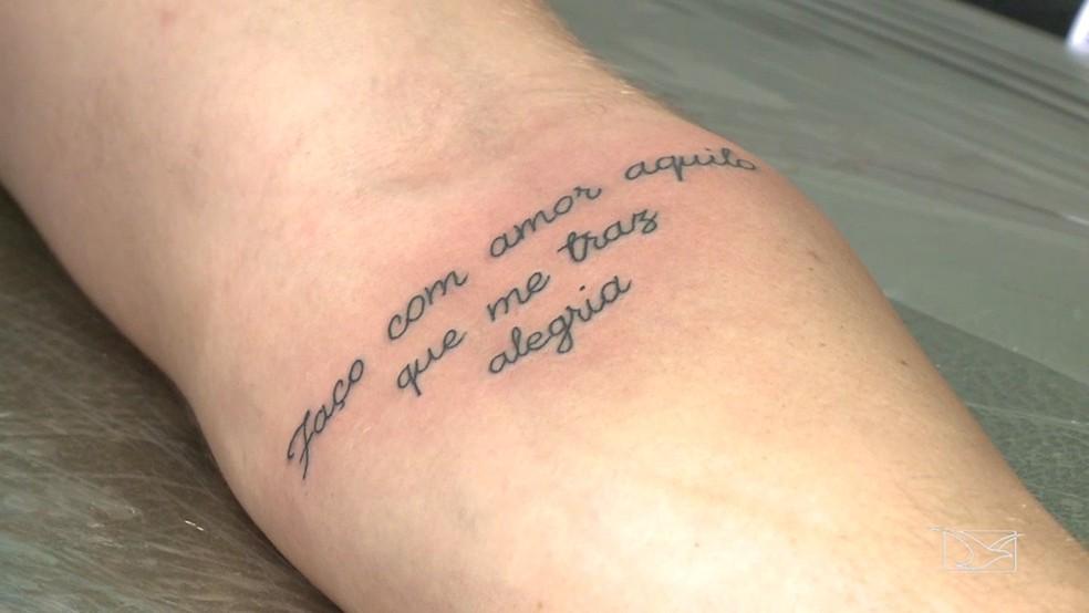 Após certo tempo, muitas pessoas optam pela remoção das tatuagens.  (Foto: Reprodução/TV Mirante)