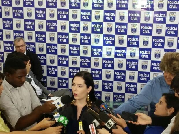 Delegada Patrícia Domingos comandou investigações (Foto: Renato Ramos/TV Globo)
