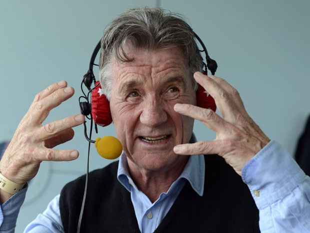 Michael Palin em entrevista a uma rádio da BBC em Londres (Foto:  Philip Brown / Reuters)