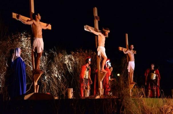 A Encenação da Via Sacra Ao Vivo conta com o apoio da TV TEM (Foto: Reprodução/TV TEM)