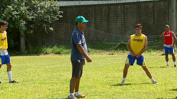 Marquinhos Costa, técnico do União São João (Foto: Adriano Ferreira/ EPTV)