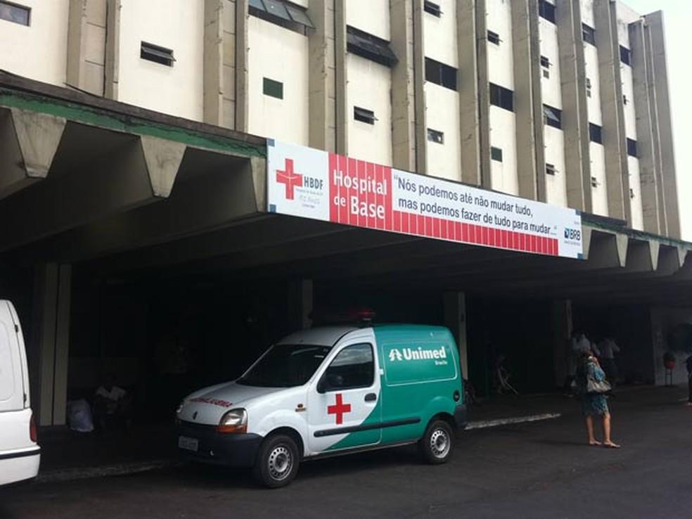 Fachada do Hospital de Base de Brasília, na Asa Sul (Foto: Willian Farias/G1)