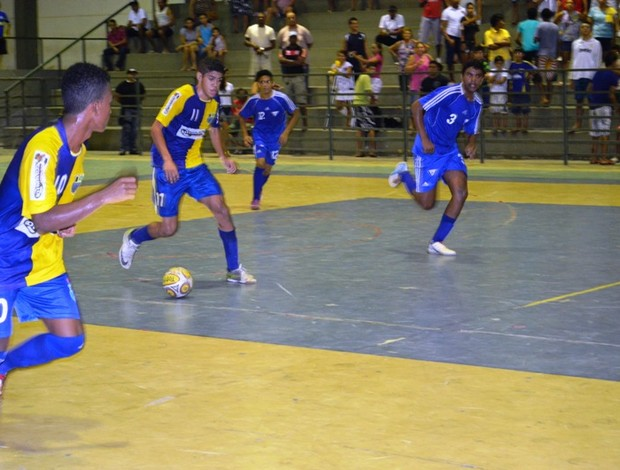 Vivaz e Extremo Norte fizeram bom jogo na final do Sub-17 (Foto: Rodrigo Litaif)