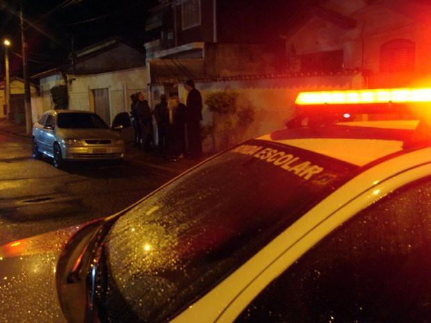 Cabo Bruno foi morto quando chegava de carro em casa na noite desta quarta-feira (26) (Foto: Renato Ferezim/G1) (Foto: Renato Ferezim/G1)