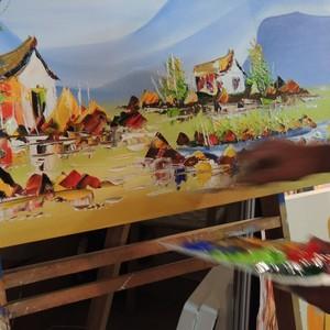 Artista pinta telas em 10 minutos  (Fernanda Burigo/G1)