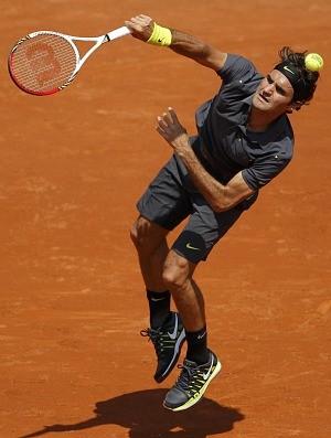 Roger Federer tênis Roland Garros 1r (Foto: Reuters)