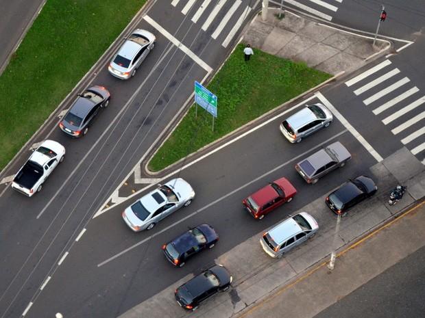 Trânsito em Piracicaba (Foto: Leandro Cardoso/G1)