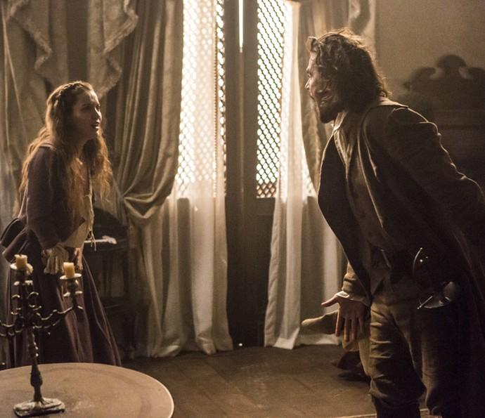 Os dois discutem e ele diz que vai atrás de Joaquina no casamento (Foto: Felipe Monteiro/Gshow)