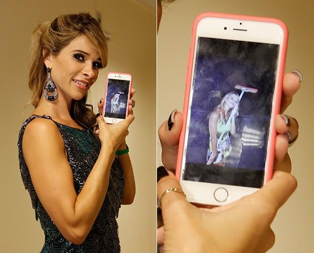 Bananinha mostra foto que tirou de brincadeira abraçada com rodo (Foto: Artur Meninea / TV Globo)