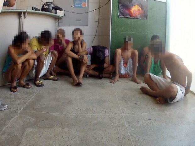 Adolescente serão transferidos para a Delegacia da Criança e do Adolescente (Foto: Marcélio Bezerra/TV Verdes Mares)