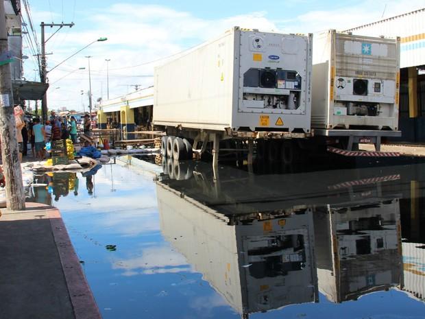 Ruas alagadas em Manaus (Foto: Luis Henrique/G1)