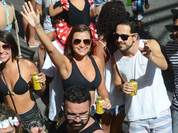 Galera aproveita o domingo para cair na folia (Foto: Bernardo Coutinho/ A Gazeta)