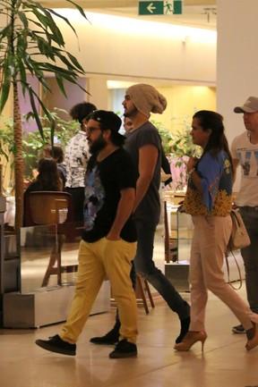 Luan Santana em shopping na Barra da Tijuca, Zona Oeste do Rio (Foto: Fábio Moreno/ Ag. News)