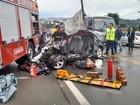 Quatro morrem após carro bater em caminhão dos bombeiros em SC