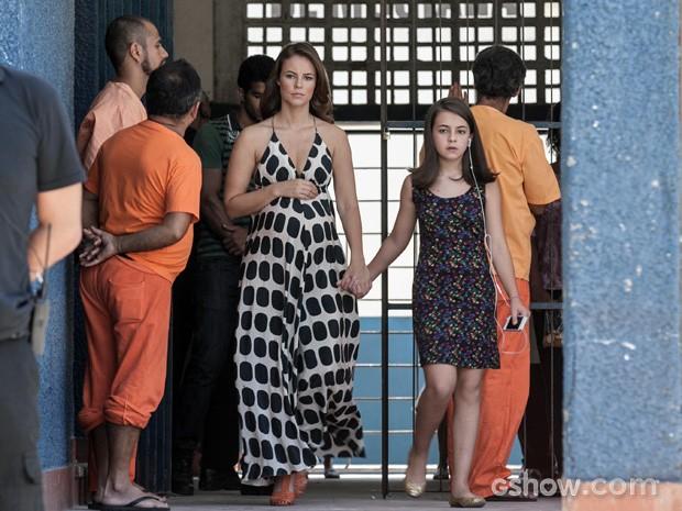 Paolla Oliveira e Klara Castanho, estilosas de vestido (Foto: Inácio Moraes/TV Globo)