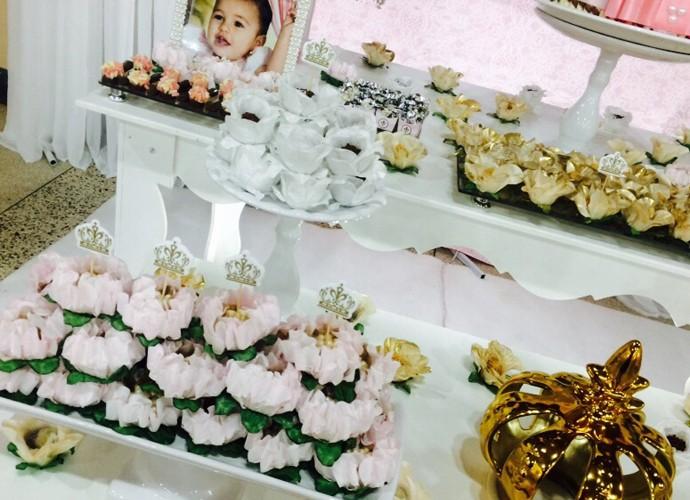 Veja com detalhes os docinhos que decoraram e deliciaram os convidados (Foto: Arquivo Pessoal)