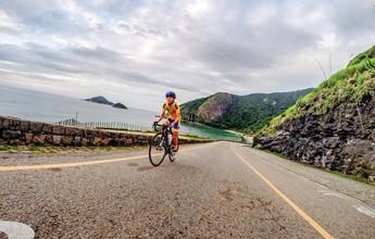 """Início aos 25, bike para """"baixinhas"""" e fã de subidas: conheça Flavia Oliveira"""