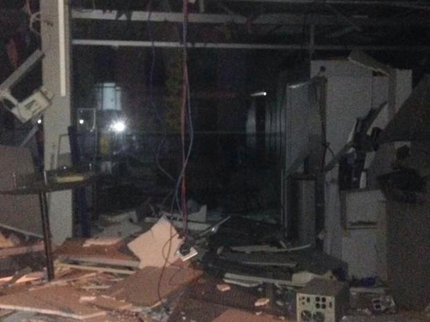 Grupo invade cidade e detona caixas eletrônicos em agência na Bahia (Foto: Divulgação/Polícia Civil)