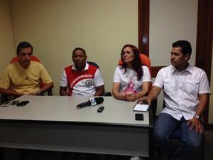 Coletiva sobre naufrágio contou com a participação de gestores da saúde do município e do estado (Foto: Gabriel Penha/G1)