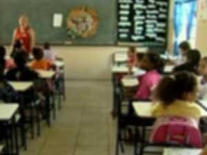 Professores enfrentam ameaças em escolas (Foto: Reprodução/TV Integração)