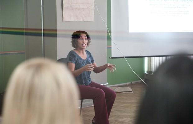 Professora nas aulas do Transcidadania, em São Paulo (Foto: Marcelo Brandt/G1)