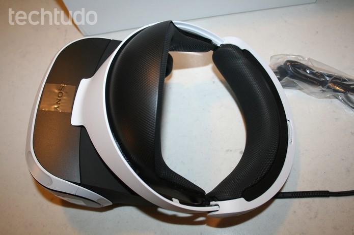 Visão superior do PS VR - com marca (Foto: Felipe Vinha/Techtudo )