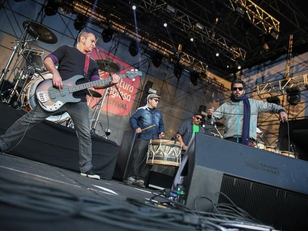A banda Nação Zumbi toca no palco do Cultura Inglesa Festival 2016, no Memorial da América Latina, na Barra Funda, Zona Oeste de São Paulo (Foto: Fábio Tito/G1)