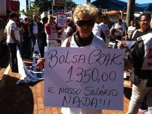 Funcionários do Hospital Regional pedem reajuste salarial (Foto: André Bordim/ TV Tem)