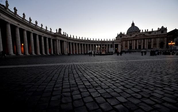 Basílica de São Pedro neste sábado (2) (Foto: AFP)