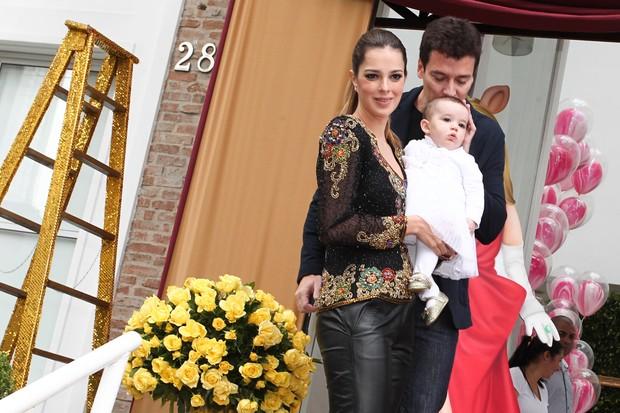 Rodrigo Faro com a mulher, Vera Viel, e a filha Helena (Foto: Marcos Ribas e Manuela Scarpa / Foto Rio News)
