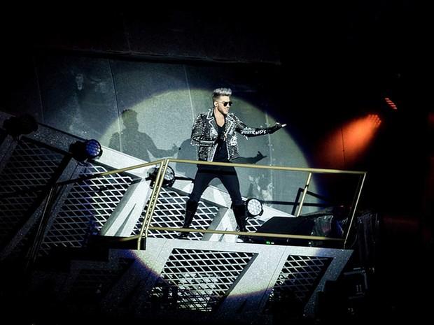 Queen com Adam Lambert tocou para 74 mil pessoas (Foto: Divulgação)