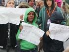 Crianças sozinhas são preocupação após esvaziamento de Calais
