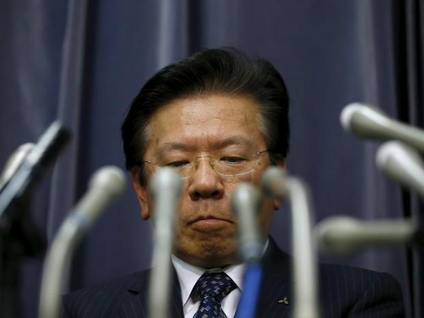 Presidente da Mitsubishi, Tetsuro Aikawa, admite manipulação  (Foto: REUTERS/Toru Hanai)