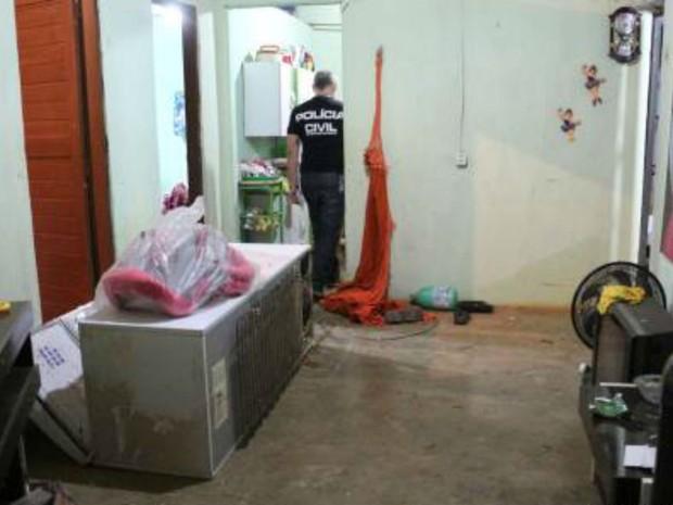 Bandidos invadiram casa de Carlos Filho, em Mossoró, e o mataram (Foto: Marcelino Neto/O Câmera)