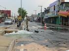 Rede de distribuição rompe e deixa moradores sem água, em Manaus