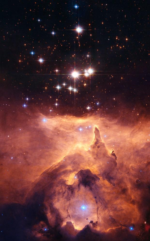 Registro da NGC 6357 feito pelo telescópio Hubble (Foto: NASA, ESA and Jesús Maíz Apellániz (Instituto de Astrofísica de Andalucía, Spain)/Davide De Martin (ESA/Hubble))