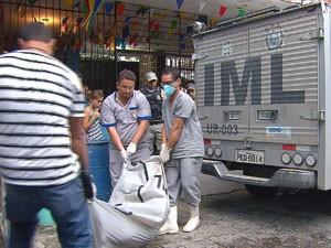 Homem é encontrado morto no Edifício Holiday, no Recife. (Foto: Reprodução / TV Globo)